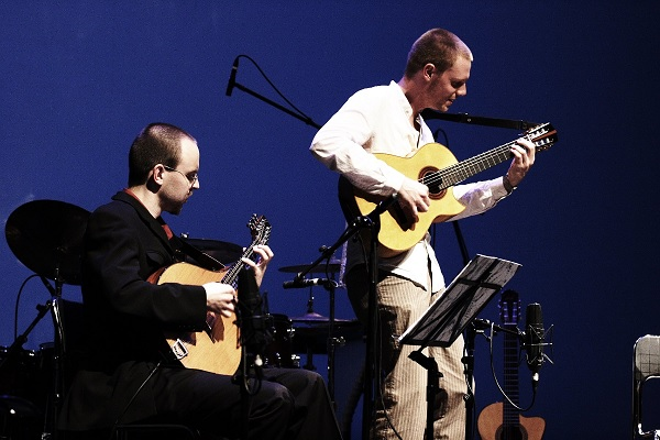 Malte Vief im Konzert mit Jochen Ross